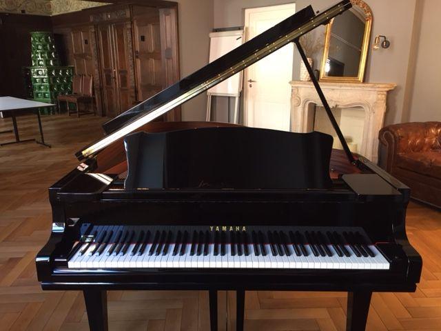 Flügel 1, ein Yamaha C 3 im Konzertsaal der VILLA WEISS