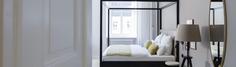 unsere zimmer und preise villa weiss hotel mit musik. Black Bedroom Furniture Sets. Home Design Ideas