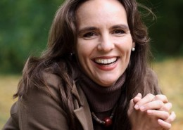 Andrea Keller - Feldenkrais, Mental Coaching, Embodied life Practitioner, Gesang, Dozentin in der VILLA WEISS